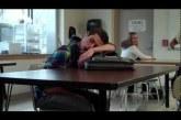 A tanár poénos bosszúja az alvó diákon