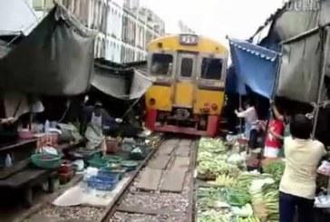 A félrehúzódó piac